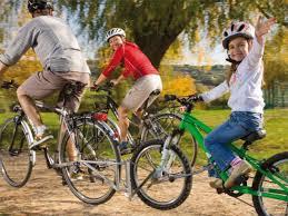 Fahrrad fahren Kind, ankoppeln, ziehen, Anhänger, FollowMe, Kinderfahrrad, Elternfahrrad, verbinden, Montage, Stange,