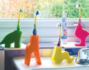 animal-toothbrush-holders-insitu