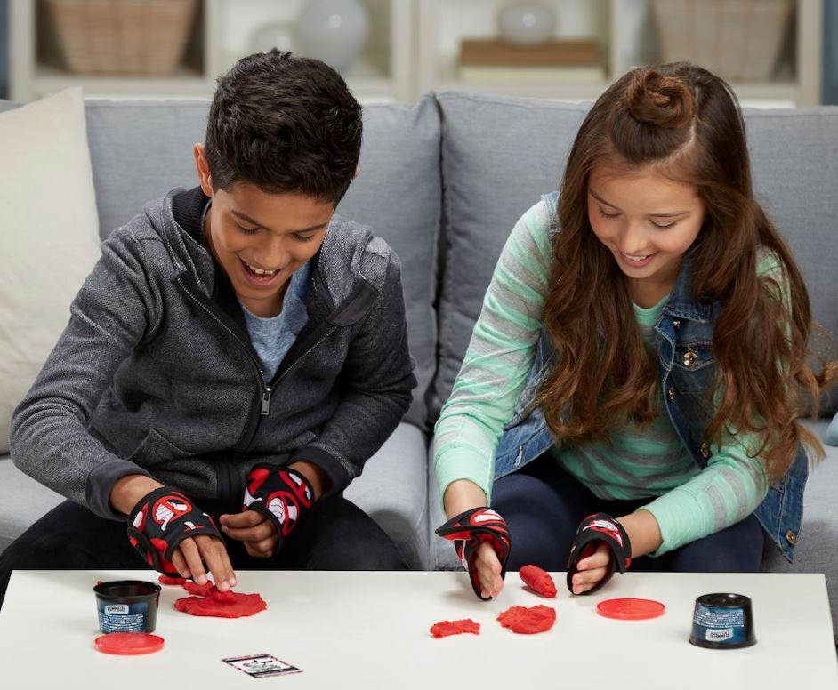 Spiel, Hasbro, Geschenk, Mädchen, Jungen, Test, Gesellschaftsspiel, Idee, verschenken, Fummelei
